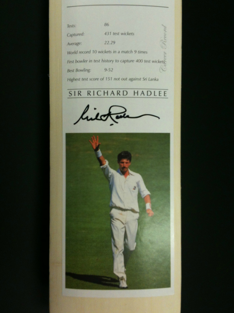 Cricketing Knights - Signed Cricket Bat image 3